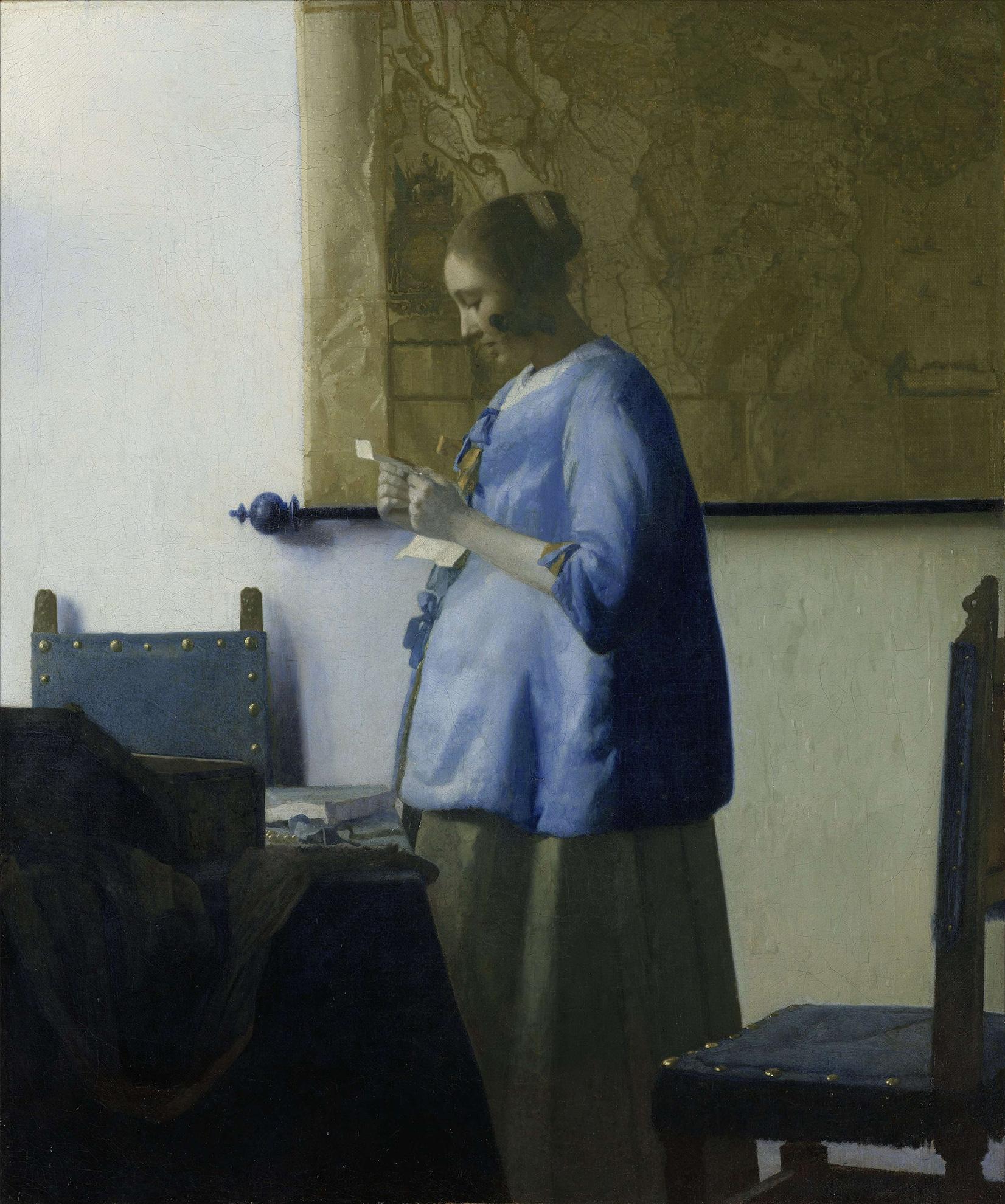 Briefleserin in Blau